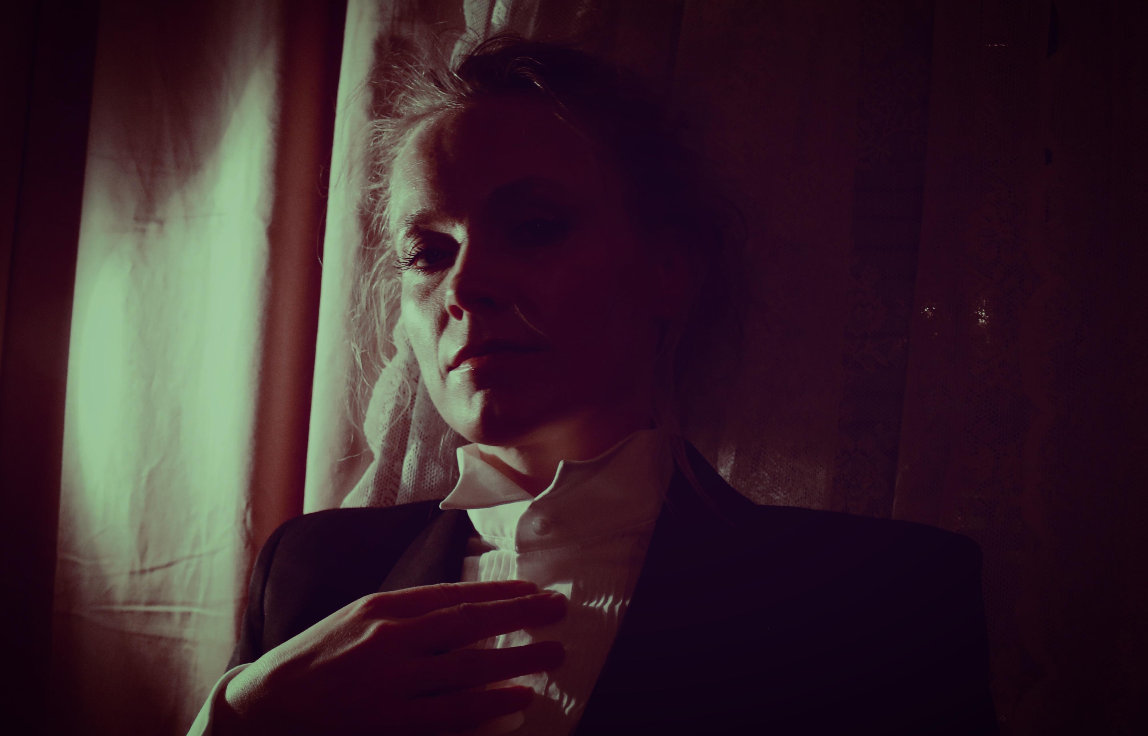 { Memories of green } Portrait of Ane Brun (2018)